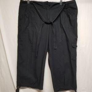 NWOT NY&CO Black SZ 16 100% Cotton Capris